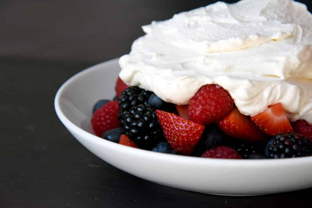 HOW TO MAKE FRESH WHIPPED CREAM WITH BERRIES